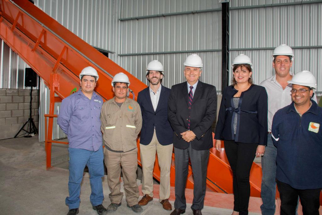 Morales y la ministra Zigaran visitaron la planta de tratamiento de residuos sólidos urbanos.