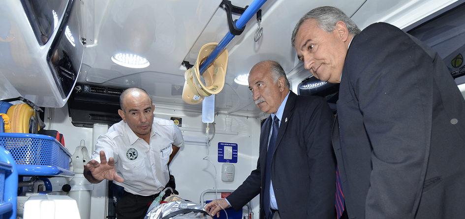 Morales y Fiad hicieron reconocimiento del importante equipamiento de las nuevas ambulancias.