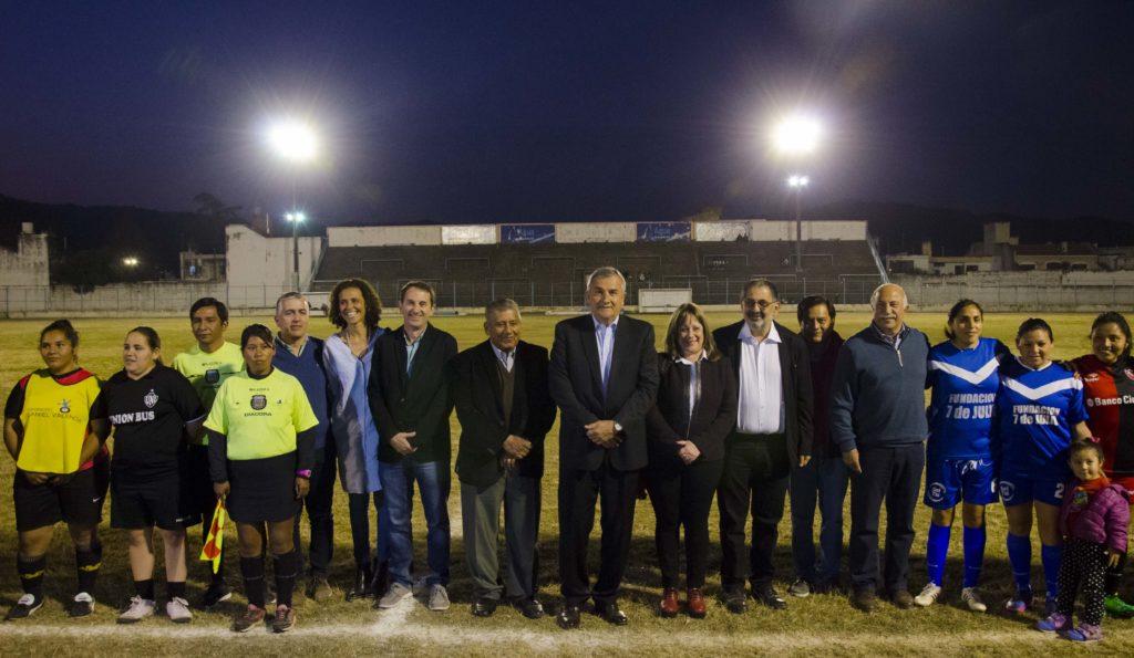 Reacondicionamiento del Estadio La Tablada y entrega de beneficios a clubes deportivos