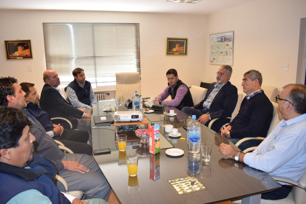 El Ministro se reunió con los referentes de la empresa Mina Aguilar